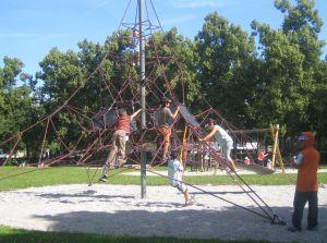 Klettergerüst Pyramide : Kinderstadtplan isarvorstadt ludwigsvorstadt